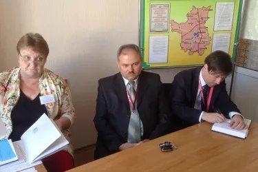 Наблюдатели в окружной комиссии №25 (г. Орша)