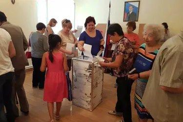 Наблюдатели от МПА СНГ на зарубежном избирательном участке в Бишкеке