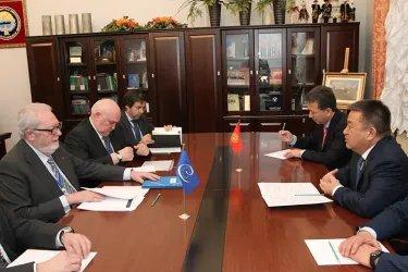 Встреча Чыныбая Турсунбекова с Председателем ПА СЕ Педро Аграмунтом