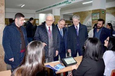 Наблюдатели от МПА СНГ на открытии избирательных участков