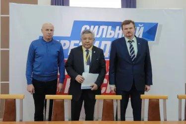 Асхат Нускабай посетил избирательный штаб Владимира Путина