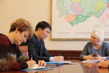 Встреча Исламбека Мурсабекова с председателем Избирательной комиссии области Ольгой Благо