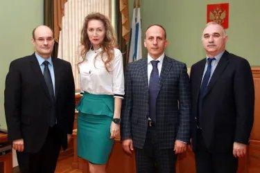 Встреча Ваграма Аветисяна с председателем Избирательной комиссии Ростовской области Андреем Буровым
