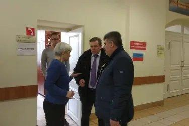 Ромик Манукян на избирательных участках