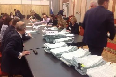 Наблюдение за процедурой подсчета голосов в Минске