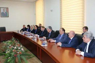 Встреча с представителями партии Ени Азербайджан