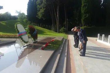 Возложение цветов к могиле Национального лидера Азербайджанской Республики Гейдара Алиева делегацией МПА СНГ
