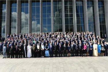 Коллективное фото участников  Торжественного пленарного заседания Милли Меджлиса Азербайджанской Республики
