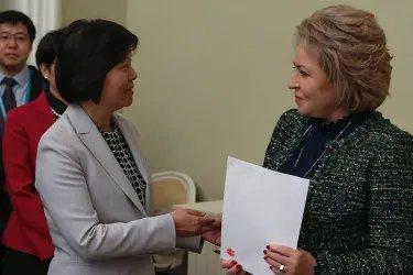 Встреча с Шэнь Юэюэ