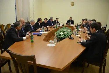 Встреча с представителями штаба партии Процветающая Армения