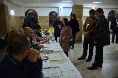 Наблюдение за открытием избирательных участков