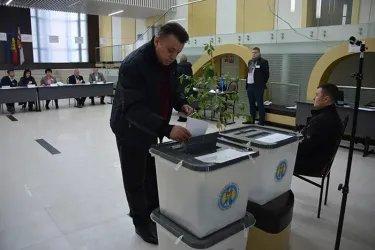 Полномочный представитель Парламента Республики Молдова Ион Липчиу проголосовал на выборах в Парламент  страны