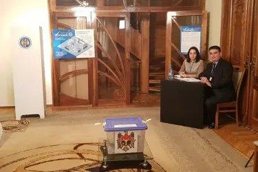 Наблюдатели от МПА СНГ на зарубежном избирательном участке в Баку