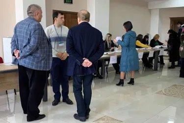 Сабир Гаджиев, Максат Сабиров и Бактыбек Турусбеков посетили избирательные участки в Республике Молдова