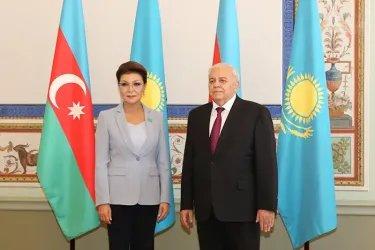 Встреча Октая Асадова с Даригой Назарбаевой