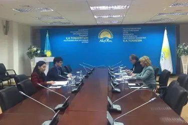 Наблюдатели от МПА СНГ посетили избирательный штаб партии «Нур Отан»