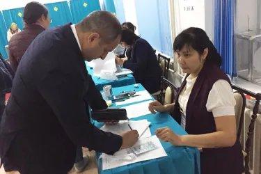 Адиль Алиев и Айдын Джафаров посетили избирательные участки в Республике Казахстан