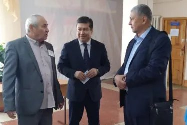 Орозбек Алыбаев и Нурбек Сатвалдиев посетили избирательные участки в Республике Казахстан