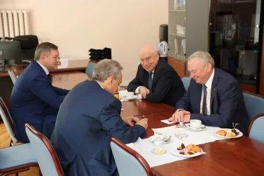 В Таврическом дворце состоялась встреча Дмитрия Кобицкого и Сергея Лебедева, 18.07.19