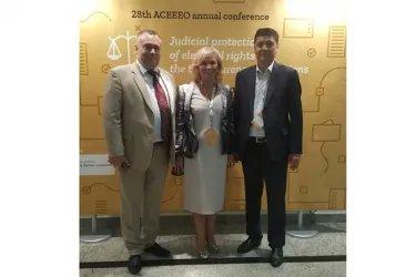 Екатерина Голоулина с представителями ЦИК Кыргызской Республики