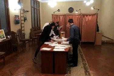 Наблюдатели от МПА СНГ на процедуре подсчета голосов