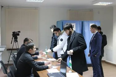 Наблюдение на зарубежном избирательном участке в Санкт-Петербурге