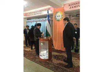 Ерджаник Акопян на избирательном участке