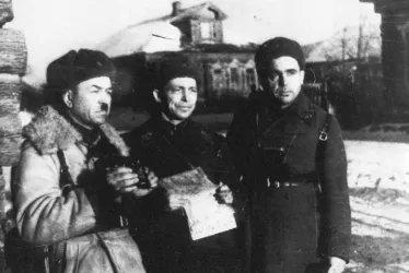 Командир 316-й дивизии генерал-майор И.В. Панфилов, начальник штаба И.И. Серебряков и ст. батальонный комиссар С.А. Егоров