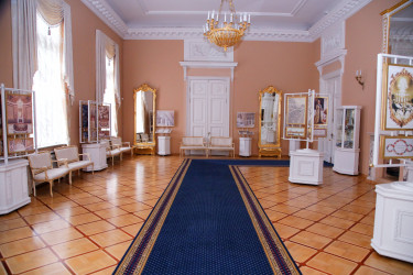Бежевый зал