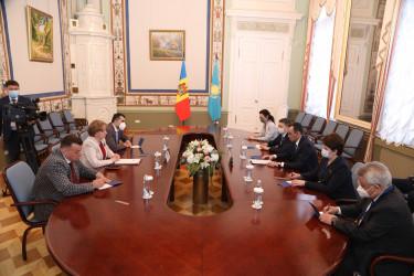 Двусторонние встречи глав парламентских делегаций в МПА СНГ, 16.04.2021