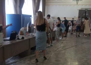 Выборы в Парламент Молдовы. Участок в Бухаресте