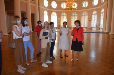 Председатель Совета Евразийского женского форума осмотрела площадки Таврического дворца