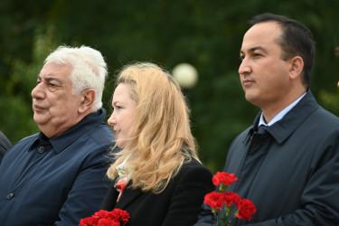 Возложение цветов на Пискаревском мемориале. 8 сентября 2021.
