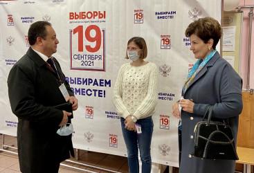 Второй день голосования на выборах в России: парламентарии стран Содружества  ведут наблюдение на избирательных участках