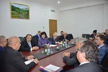 Встреча с представителями партии «Единый Народный Фронт Азербайджана»