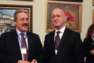 Ибод Рахимов и Генеральный секретарь ПСОИС Махмуд Килич (слева)