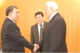 Состоялась встреча Председателя Жогорку Кенеша Кыргызской Республики Айтибая Тагаева с Генеральным секретарем Совета МПА СНГ Михаилом Кротовым