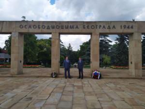 Международные наблюдатели от МПА СНГ возложили венок к мемориалу освободителей Белграда