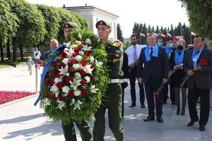 IPA CIS Representatives Laid Flowers at Piskarevskoe Memorial Cemetery