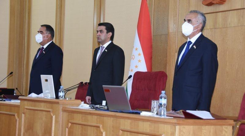 Tajik Senators Approve Penalties for Misinformation About Pandemic