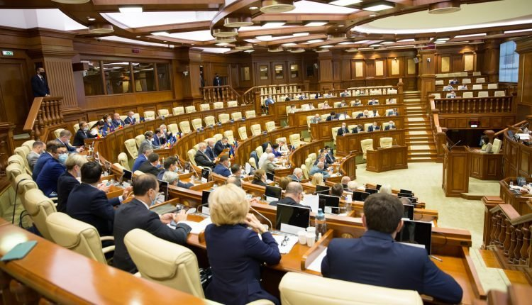 Parliament of Moldova Adopted Laws on Protection of Rights of Workers, Foreigners and Victims of Domestic Violence