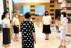 Сенаторы Республики Узбекистан ознакомились с условиями труда женщин на предприятиях
