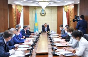 Законодатели Республики Казахстан продолжают работу в период «парламентских каникул»