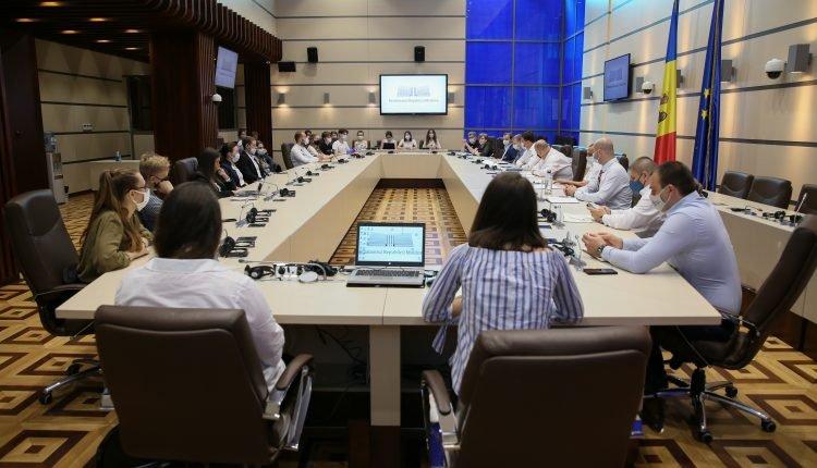Парламентарии Республики Молдова: Мы хотим, чтобы молодежь активнее участвовала в политических процессах