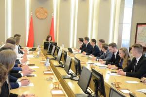 Наталья Кочанова провела совещание с активом Молодежного парламента