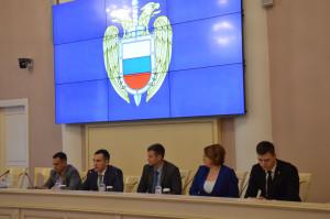 В Таврическом дворце воспитанникам кадетских классов ФСО представили перспективы профессионального обучения