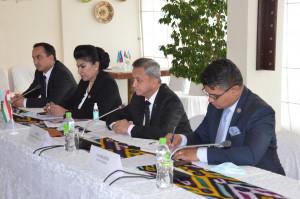 Наблюдатели от МПА СНГ обсудили электоральную кампанию по выборам ПрезидентаТаджикистана с ее участниками