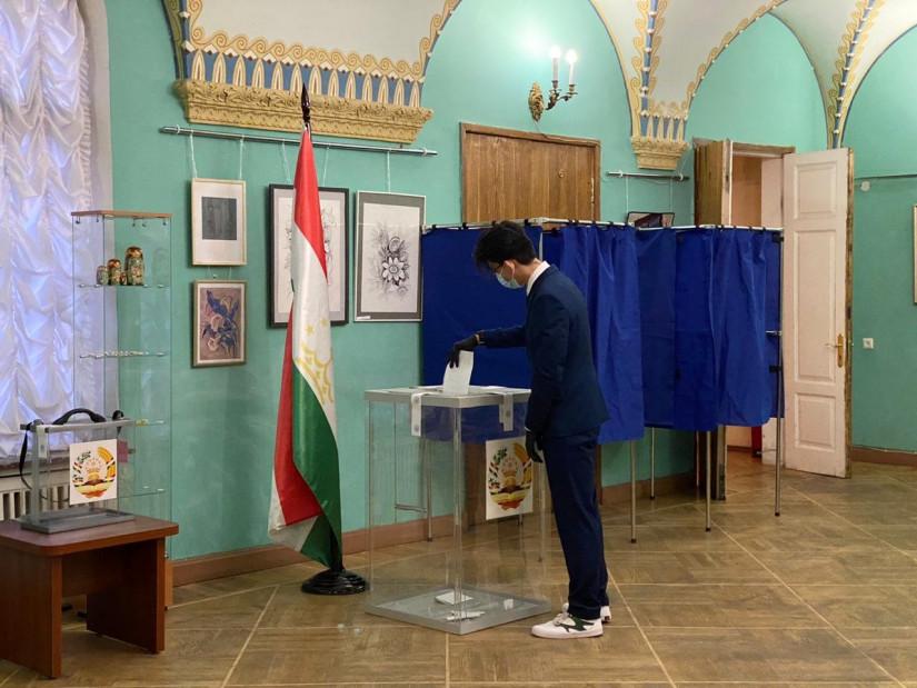 Выборы Президента Таджикистана: наблюдатели от МПА СНГ ведут мониторинг голосования на зарубежных избирательных участках