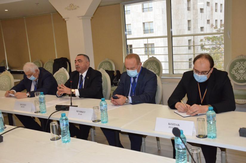 Наблюдатели от МПА СНГ и БДИПЧ ОБСЕ обменялись впечатлениями о выборах в Республике Молдова