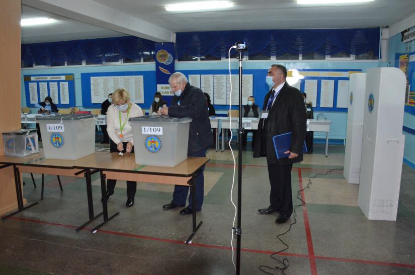 Наблюдатели от МПА СНГ присутствовали при открытии участков на выборах Президента Молдовы